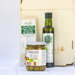 Cadaques pack with organic products